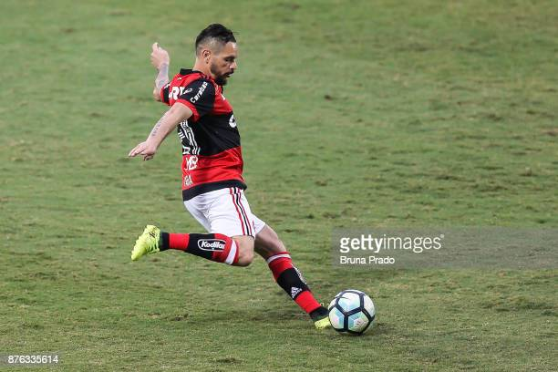 Para of Flamengo during the Brasileirao Series A 2017 match between Flamengo and Corinthians at Ilha do Urubu Stadium on November 19 2017 in Rio de...