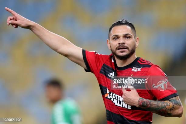 Para of Flamengo gestures during a match between Flamengo and Chapecoense as part of Brasileirao Series A 2018 at Maracana Stadium on September 8...