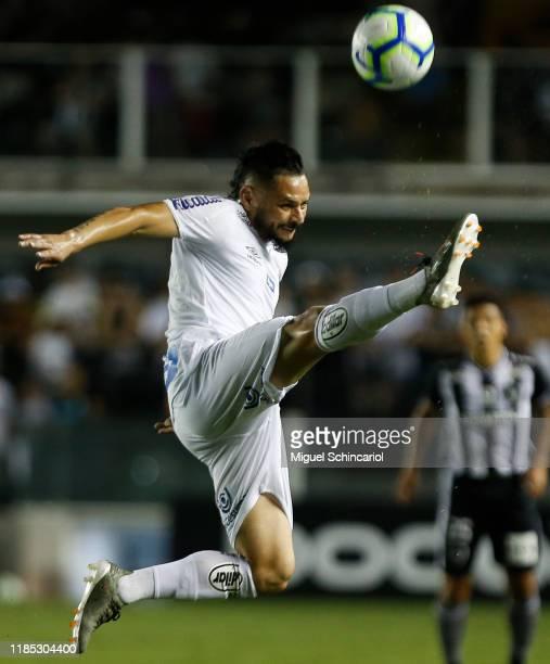 Para of Santos controls the ball during a match between Santos and Botafogo for the Brasileirao Series A 2019 at Vila Belmiro Stadium on November 03,...