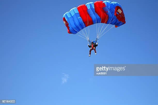 parachutist in der - fallschirm stock-fotos und bilder