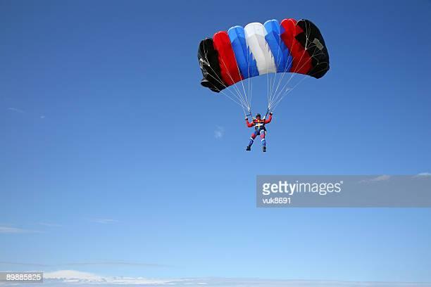 Parachutist dans l'air
