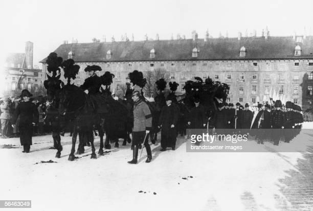 Parade at Emperor Franz Joseph?s funeral. Photography, 1916. [Parade zur Beerdigung Kaiser Franz Josephs. Photographie. 1916]