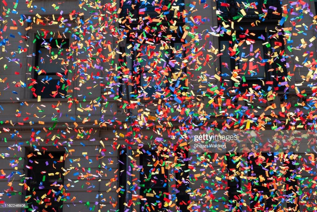 Parade confetti : ストックフォト