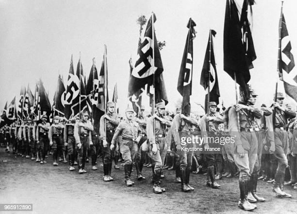 Parade des hitlériens à Cobourg Allemagne le 19 octobre 1932