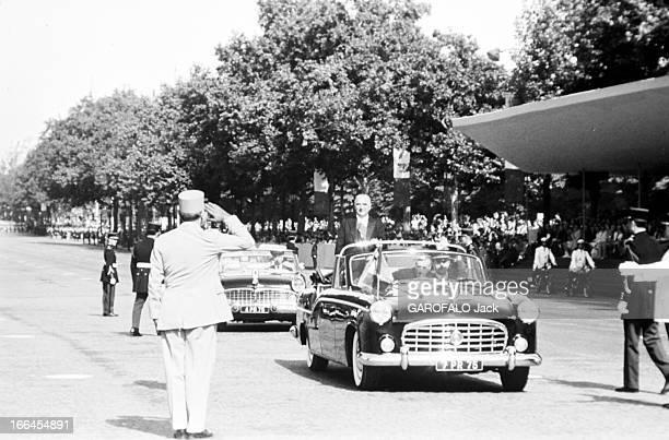 Parade Of July 14Th 1970 In Paris Paris 14 juillet 1970 A l'occasion de la fête nationale lors du défilé militaire sur les ChampsElysées vue de face...