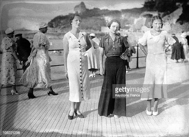 Parade Of Models On The Dyke 19301935