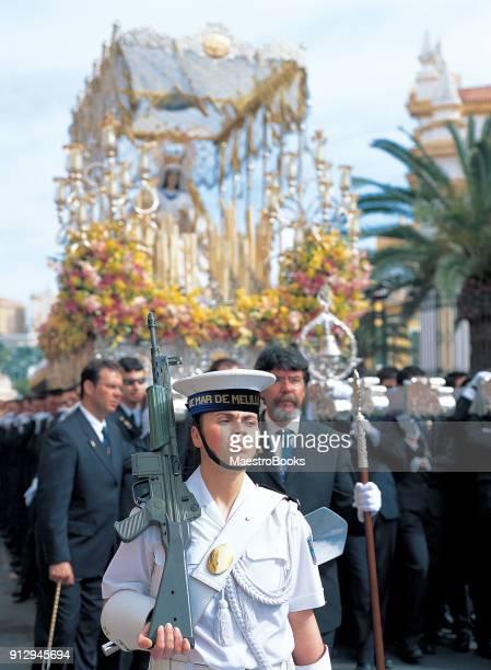 desfile del domingo de ramos en melilla - semana fotografías e imágenes de stock