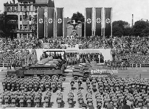 Parade of the Wehrmacht at the OstWestAchse in Berlin in honour of the Yugoslav Prince Regent Paul and his spouseView of the VIP stand during the...