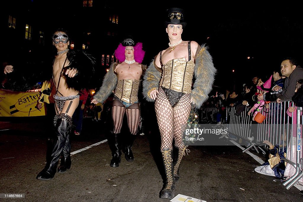 Greenwich Village's Halloween Parade Photos and Images | Getty Images