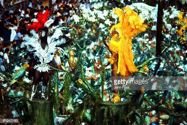 parade - brazilian carnival stock pictures, royalty-free photos & images