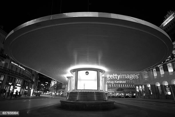 paradeplatz tramstation l - altug karakoc - fotografias e filmes do acervo