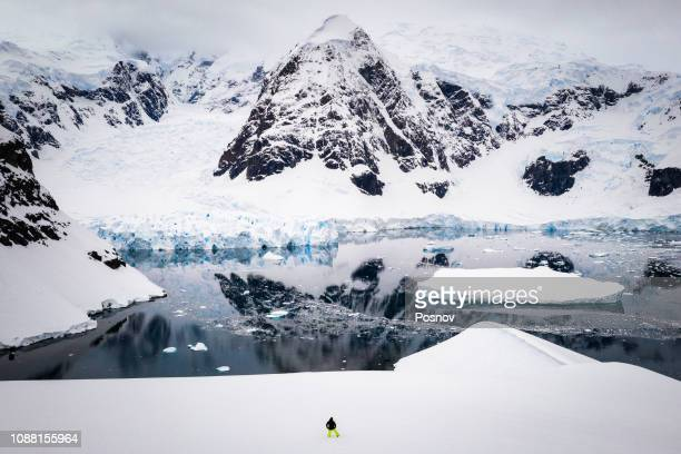 paradise harbor - antarctic peninsula stock pictures, royalty-free photos & images