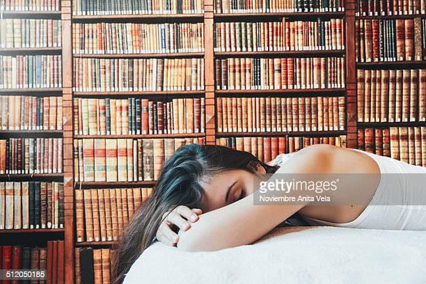 paradise is a library - alcazar de san juan - fotografias e filmes do acervo