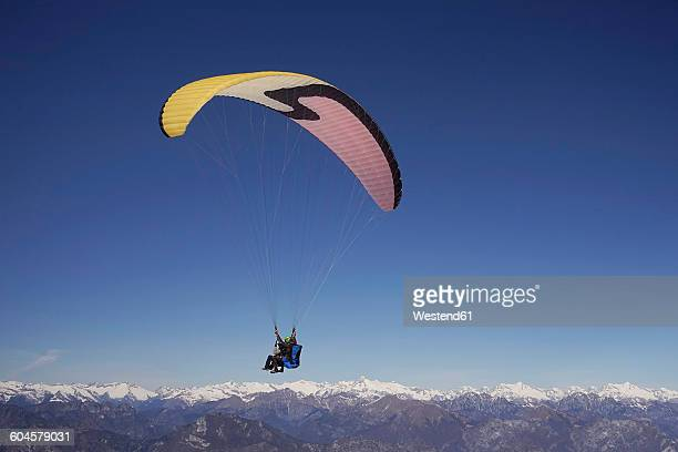 Paragliders, tandem, man and woman