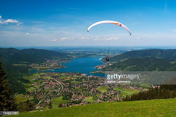 paragliding at wallberg - achim lammerts stock pictures, royalty-free photos & images