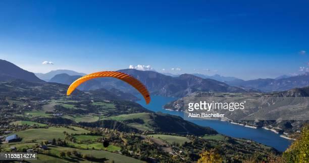 paragliding - alain bachellier photos et images de collection