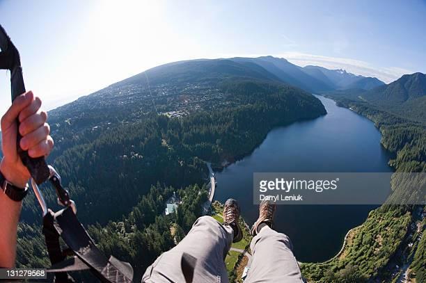 paragliding - montanhas north shore imagens e fotografias de stock