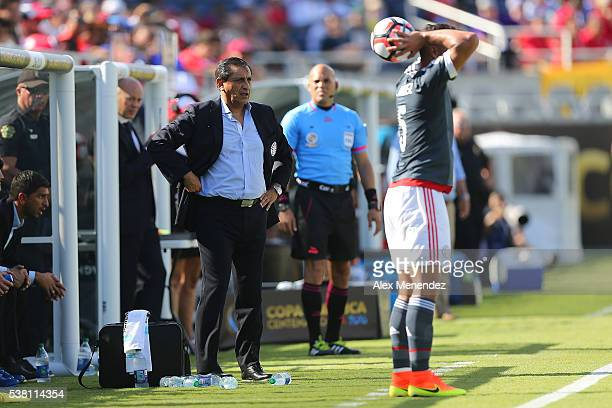 Paraguay manager Ramon Diaz is seen on the sideline during the 2016 Copa America Centenario Group A match between Costa Rica and Paraguay at Camping...