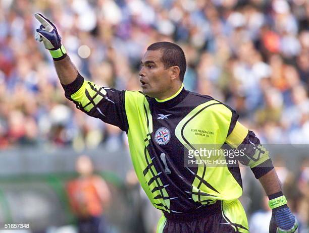 Paraguayan goalkeeper and captain JoseLuis Chilavert gestures during the1998 Soccer World Cup second round match between France and Paraguay 28 June...