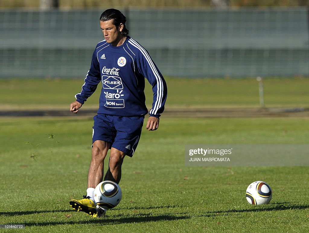 Paraguay's forward Nelson Haedo strikes a ball during a training session at Michaelhouse school in Balgowan on June 5, 2010. Pararguay will face Italy in their opening match of the 2010 World Cup South Africa in Cape Town on June 14.