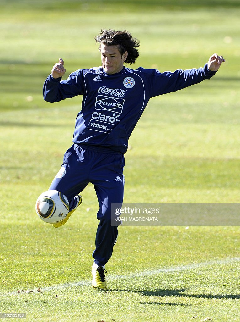 Paraguay's forward Nelson Haedo strikes a ball during training session at Michaelhouse school in Balgowan on June 16, 2010 ahead their 2010 World Cup Group F football match against Slovakia on June 20 at Free State stadium in Bloemfonstein.