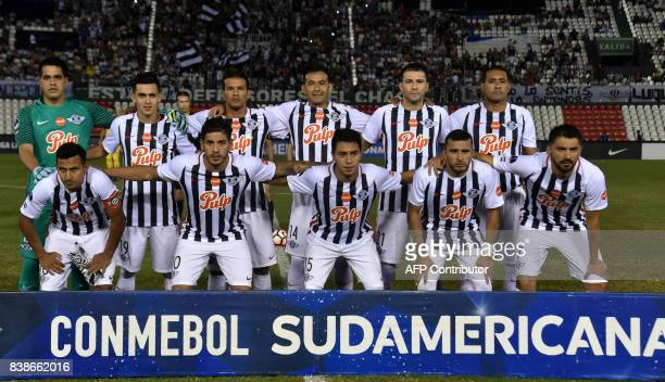 Paraguay's Libertad players pose before their 2017 Copa Sudamericana football match against Colombia's Independiente Santa Fe at Defensores del Chaco...