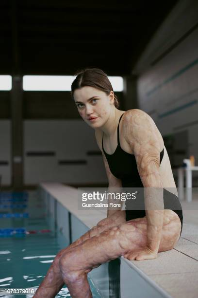 girl training in the swimming pool - infectious disease stock pictures, royalty-free photos & images