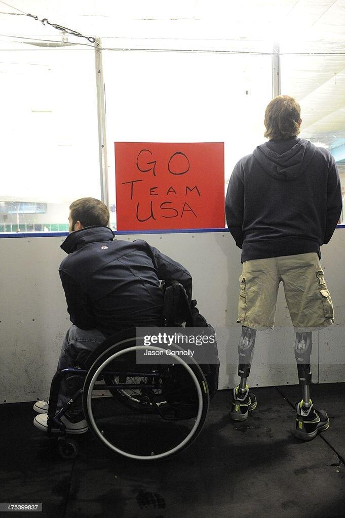 U.S. Paralympics Sled Hockey Team Leaves For Sochi : News Photo