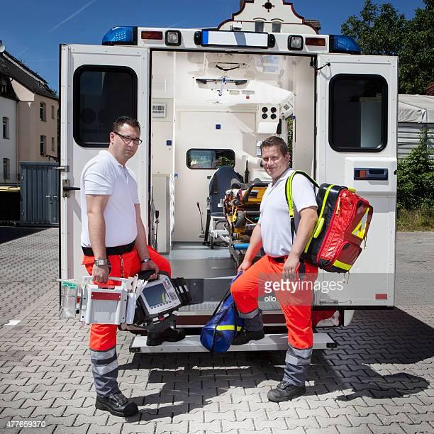 Sanitäter Krankenwagen medizinische Geräte Notfall