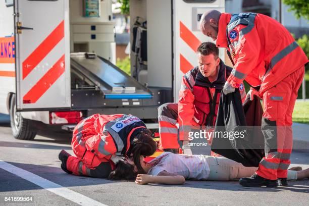 Paramedics team conforming