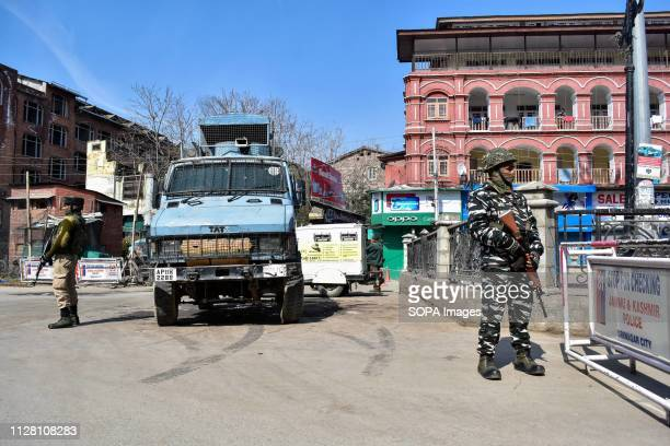 Paramilitary troopers seen standing guard during shut down in Srinagar Kashmir continued to remain shut for the second consecutive day against...