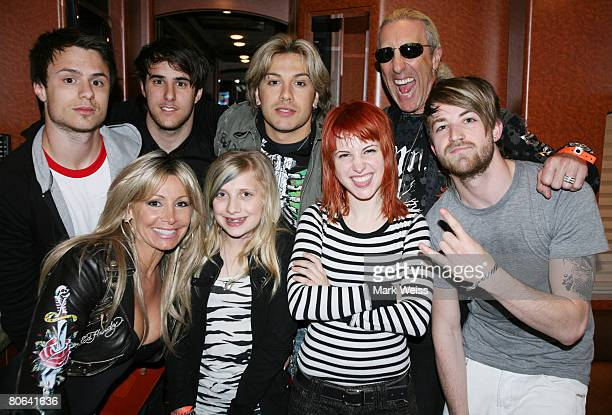 Paramore poses backstage with Twisted Sister singer Dee Snider wife Suzette Snider dauughter Cheyenne Snider and son Jesse Blaze Snider contestant...