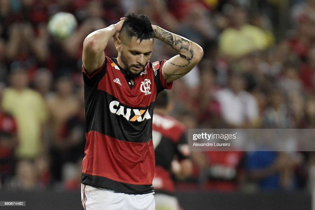 Para of Flamengo reacts during the match between Flamengo and Fluminense as part of Brasileirao Series A 2017 at Maracana Stadium on October 12, 2017 in Rio de Janeiro, Brazil.