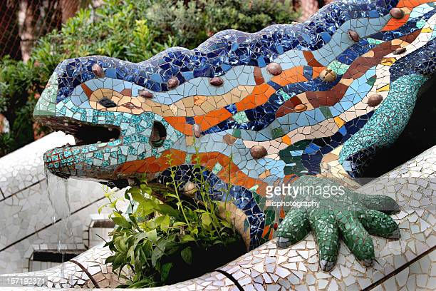 parc guell lizard fountain gaudi barcelona - antonio gaudi stock pictures, royalty-free photos & images