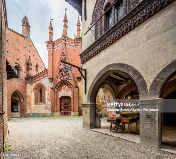 parco del valentino, borgo medievale - turin stockfoto's en -beelden