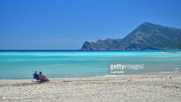 Pareja en la playa de Altea. Alicante