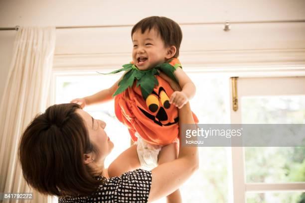 親と子の肖像写真。