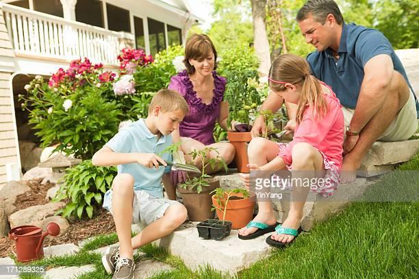 Parents jardinage et planter avec enfants, Hz