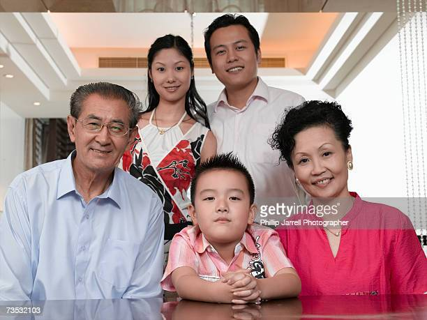 parents, grandparents and grandson (4-5 years) - 65 69 years stock pictures, royalty-free photos & images