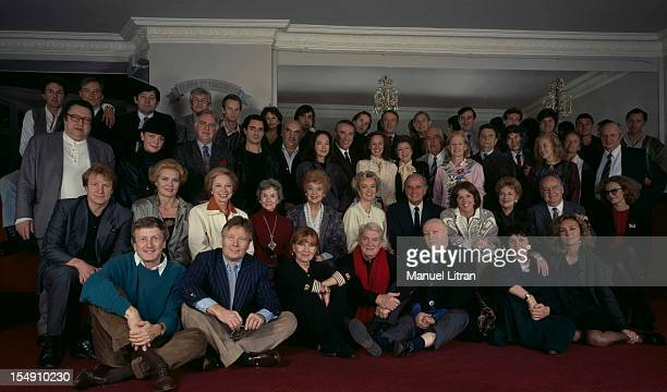 Paris 17 November 1986 To celebrate the centenary of the Montparnasse theater the actors who have played have agreed to pose together for the first...