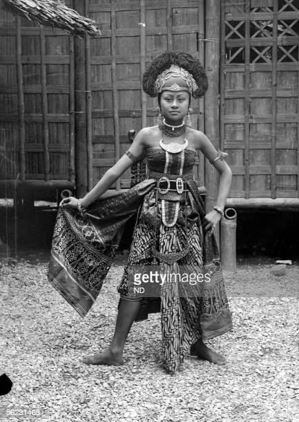 Paris 1889 World's Fair Javanese dancer ND15488