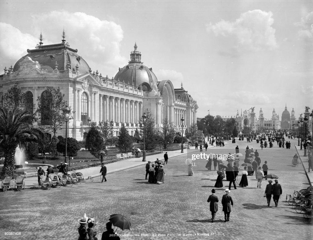 Paris . 1900 World Fair. The Petit Palais and the avenue ...
