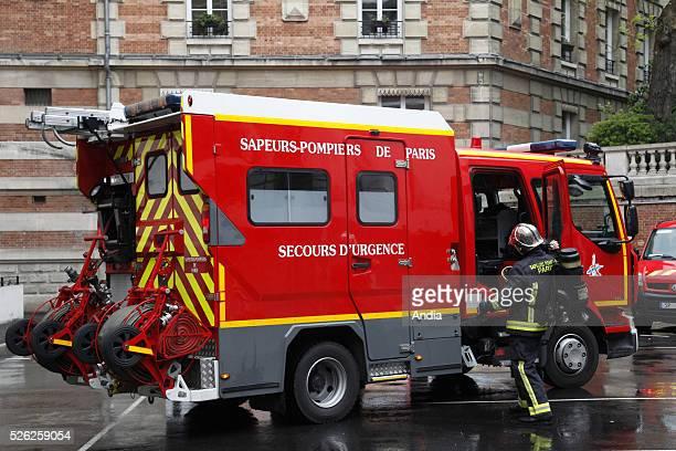 Daily life of Paris Fire Brigade (brigade des sapeurs-pompiers de Paris - BSPP With more than 7,000 firemen, it is the third largest urban fire...