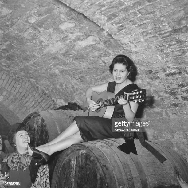 Paris Amalia Rodrigues Singing At The Famous Pignarre Vault In January 1957