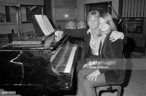 Paris American actress Jodie Foster has recorded her first song she will sing in the next tv show of french singer Claude François 23th November 1977