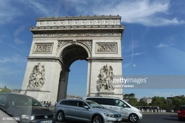 Paris -Arc de Triomphe from traffic