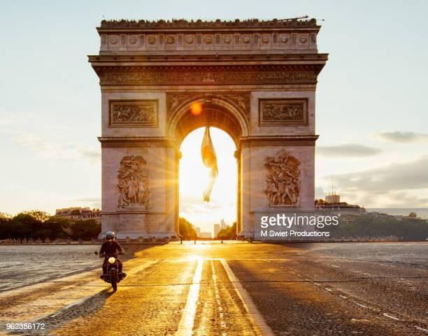 paris arc de triomphe - パリ凱旋門 ストックフォトと画像