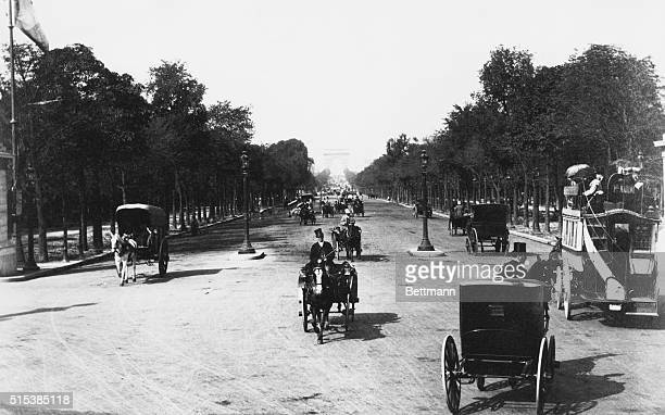 Avenue Des ChampsElysees 1900 View of the Champs Elysee looking towards Arch de Triumph