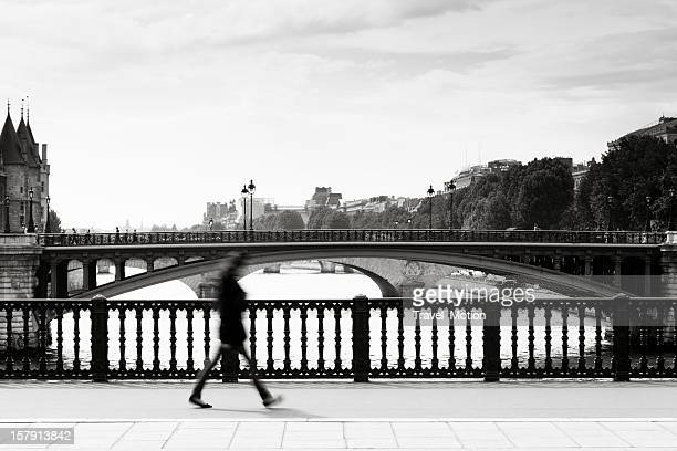 Pont de Paris avec navette