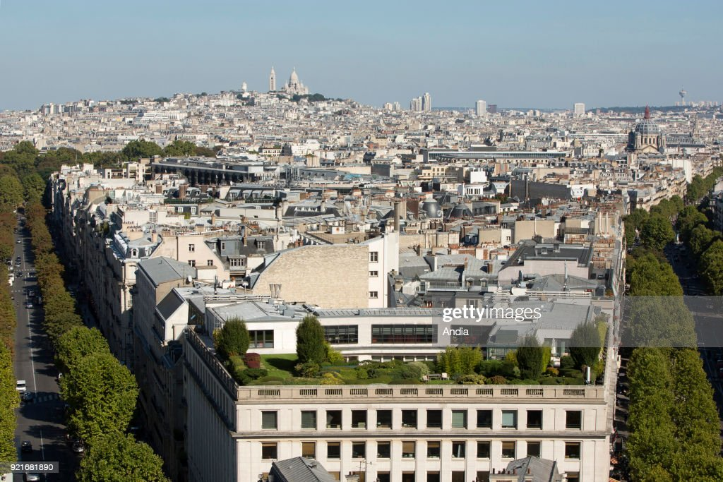 Properties in the 8th arrondissement (district). : News Photo